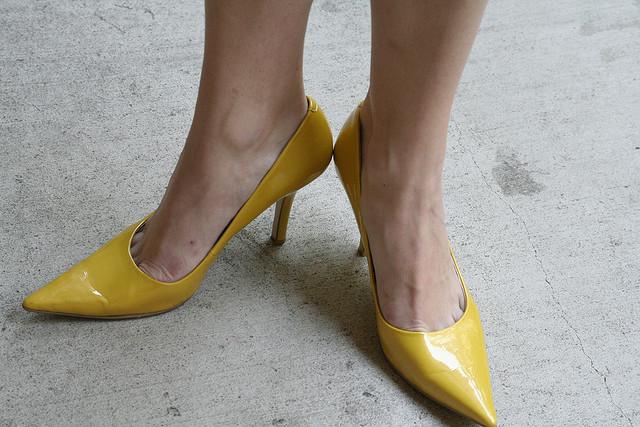 shoesyellow