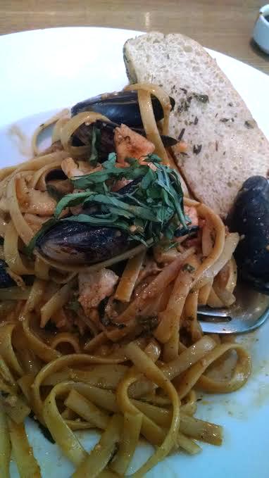 milestones-seafood-pasta