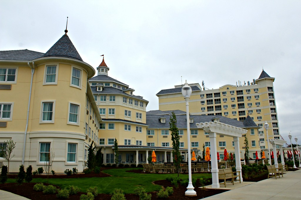 Cedar-Point-Hotel-Breakers-16