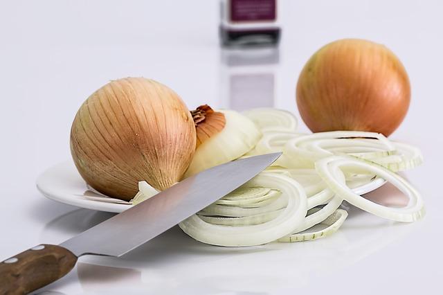 sliced-onions