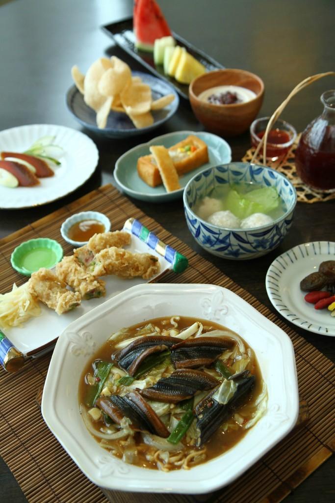 eel-noodles