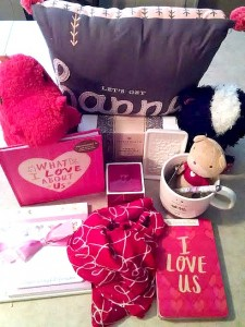 Fun items for Valentine's Day from Hallmark (Giveaway Canada)