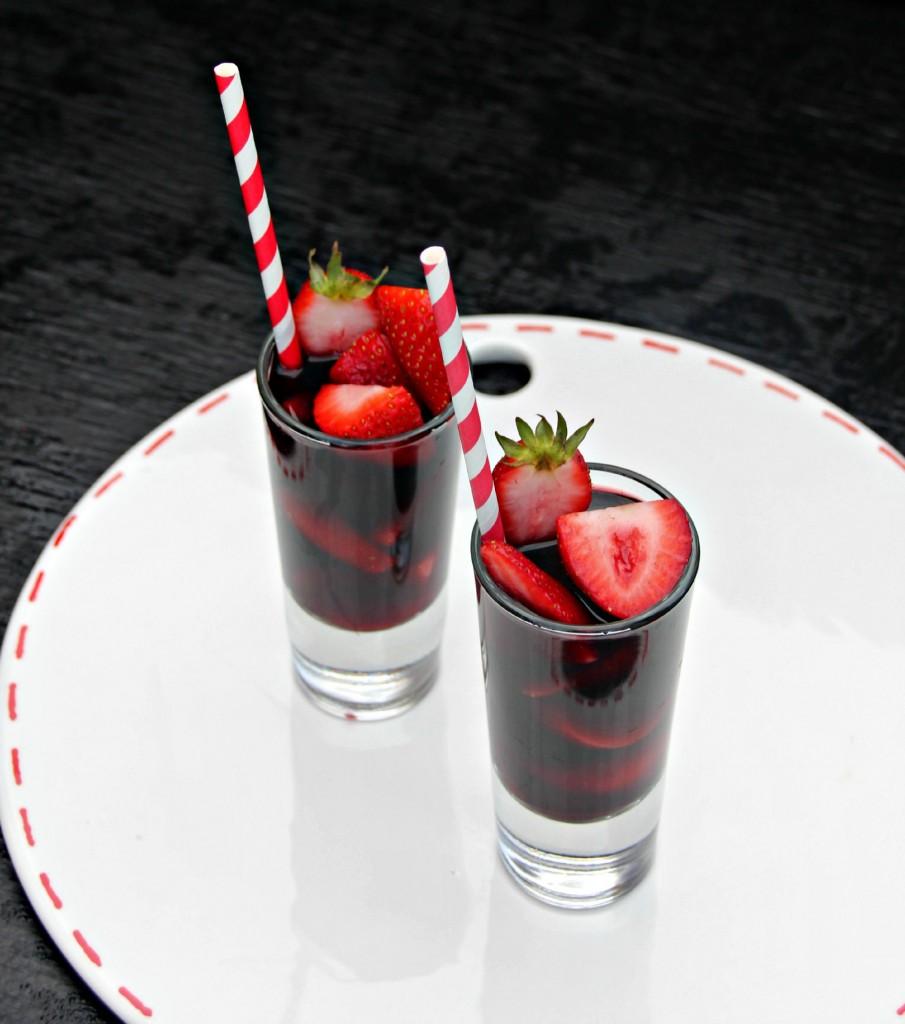 Strawberry-Red-Vodka-Drink-2