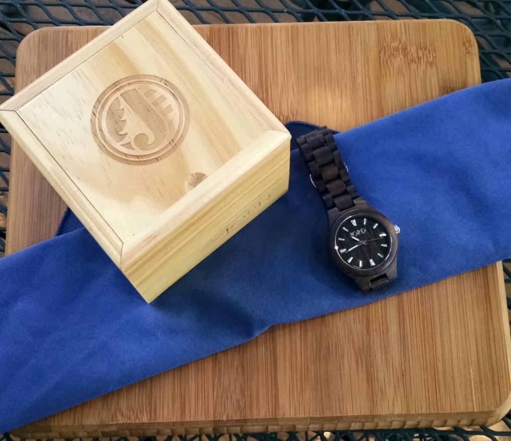 Jord-watch-wood