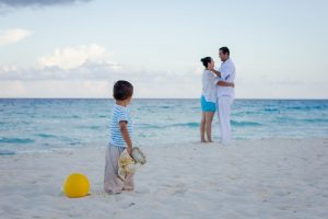 save money on family travel