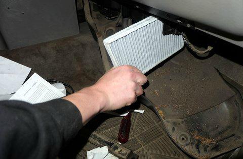 fram-install-cabin-filter