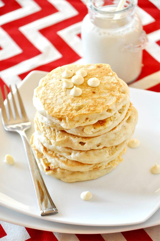 white-chocolate-macadamia-nut-cookie-pancakes1